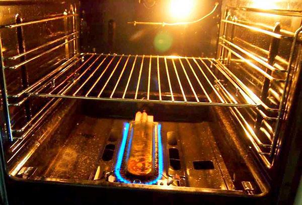 Выпечка в духовке подгорает низ что делать — 5